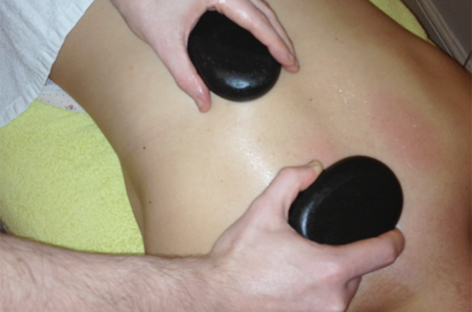 chiropractic-massage-with-hot-stones