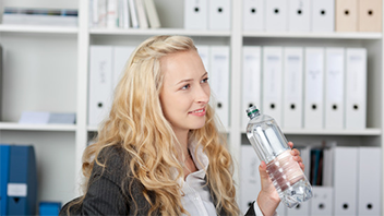 healthy-at-work-drinking-water