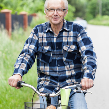 cycling-senior-chiropractic-check-up